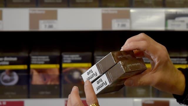 La directive européenne exige la mise en place d'un dispositif infalsifiable de sécurité destiné à la lutte contre la contrebande de tabac.