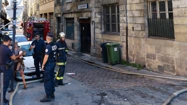Intervention des pompiers ce mardi 2 septembre au 3, rue de la Fusterie à Bordeaux, où s'est déclenché un incendie mortel.