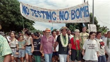 Une manifestation du parti indépendantiste polynésien contre l'essai nucléaire prévu dans l'atoll de Mururoa, le 2 septembre 1995