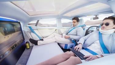 Concept de Tesla Model S autonome développé par Rinspeed XchangE.