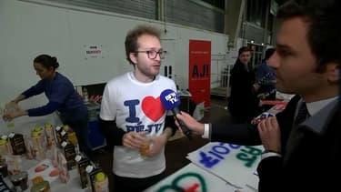 Du jus de pêche était distribué en marge du dernier meeting d'Alain Juppé