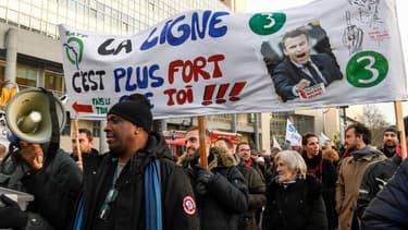 Des manifestants lors du défilé du 11 janvier 2020 contre la réforme des retraites à Paris