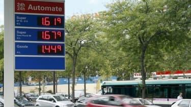 Une taxation identique du diesel et du sans plomb est proposé par le Comité pour la fiscalité écologique.