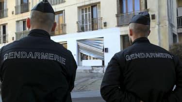Plusieurs personnes ont été interpellées lundi à Ajaccio dans le quartier où deux pompiers et un policier avaient été blessés dans un guet-apens la nuit de Noël - Lundi 18 janvier 2016