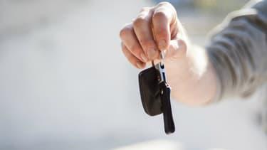 La clé de contact traditionnelle qu'on enfonce et tourne pour démarrer sa voiture, c'est bientôt fini.