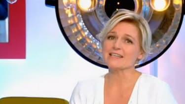 Anne-Elisabeth Lemoine rend l'antenne mardi 25 octobre