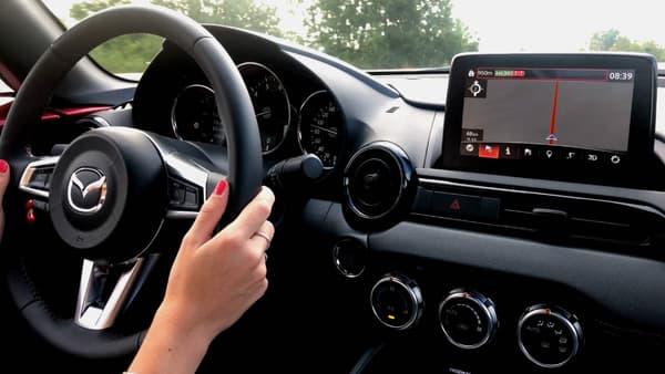 Le MX-5 dispose désormais de Car Play ou d'Android Auto sur son écran tactile.