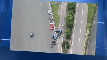 La gendarmerie a diffusé cette photo de l'interpellation des automobilistes un peu trop pressés.