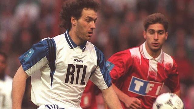 Laurent Blanc en 1996 lorsqu'il jouait pour Auxerre