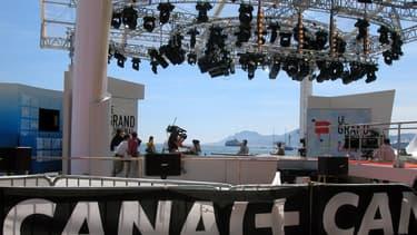 """Le plateau du """"Grand journal"""" au festival de Cannes"""