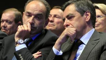 Jean-François Copé et François Fillon se sont mis d'accord lundi pour demander aux militants de l'UMP de se prononcer sur l'opportunité d'un nouveau vote pour la présidence du mouvement, selon une source proche du premier parti de droite français. /Photo