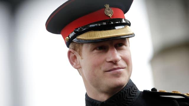 Le Prince Harry dans son uniforme officiel en novembre 2014.