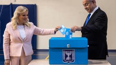 Benjamin Netanyahu et sa femme Sara Netanyahu ont voté ce mardi matin à Jérusalem pour les législatives.