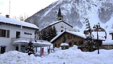 La  station de Bessans a vu en cette technique un moyen d'ouvrir très tôt une boucle de son domaine, exclusivement dédié au ski nordique.