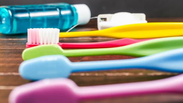 Un bain de bouche serait un moyen de prévention contre une bactérie responsable d'une infection sexuellement transmissible.