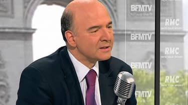 """Pierre Moscovici a """"regretté"""" ses propos sur la droite, qu'il a accusée de n'avoir """"rien foutu"""" pour réduire les déficits."""