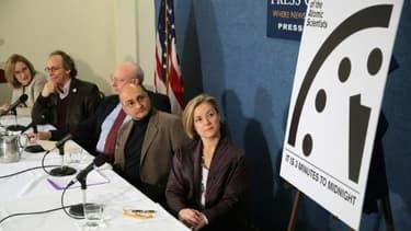 L'horloge de l'apocalypse, qui symbolise le chemin vers un cataclysme planétaire, a été avancée de 30 secondes,  à Washington le 26 janvier 2017