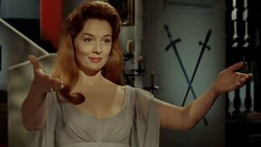 "L'actrice britannique Barbara Shelley, dans ""Dracula, Prince des ténèbres"", en 1966."