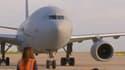 Un 4e avion français en provenance d'Abou Dabi avec à son bord des rapatriés français et afghans est arrivé à Paris.