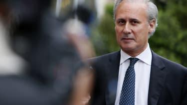 Georges Tron, maire actuel de Draveil et ancien ministre, reconnaît seulement avoir massé les pieds de ses victimes présumées.