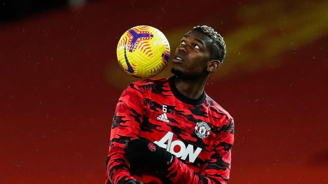 Paul Pogba lors de l'échauffement avant Manchester-Everton