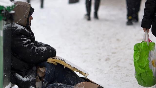 Un SDF à Paris, le 20 janvier 2013 (image d'illustration).