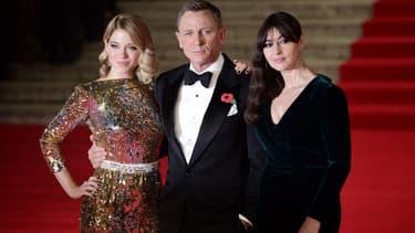 """Léa Seydoux, Daniel Craig et Monica Bellucci, le 26 octobre 2015 à l'avant-première mondiale de """"Spectre""""."""