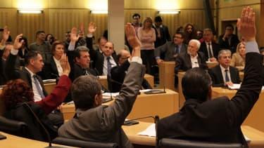 Des députés chypriotes lors d'un vote, mardi dernier.