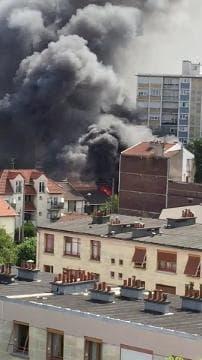 Incendie à Drancy dans un parc de stationnement - Témoins BFMTV