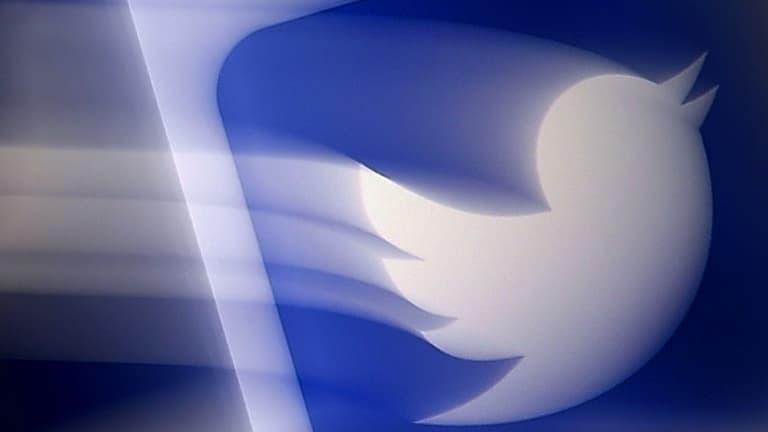 """Twitter teste un bouton """"annuler"""" pendant l'envoi d'un tweet"""