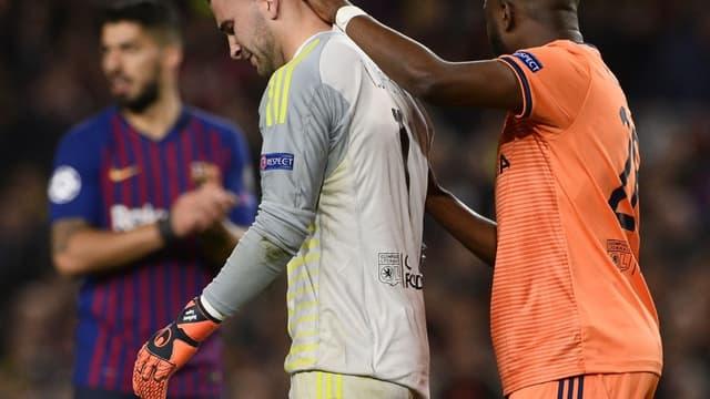 Anthony Lopes est sorti sonné contre le Barça, après être d'abord revenu sur le terrain lors de ce huitième de finale retour de Ligue des champions.