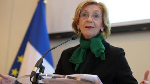 Nicole Bricq a indiqué que les délais d'obtention de visas seraient réduits pour les hommes d'affaires étrangers.