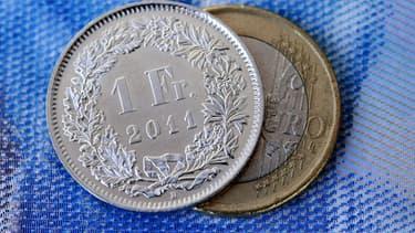 La hausse du franc suisse handicape les exportations du pays.