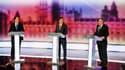 Le chef du Parti conservateur britannique, David Cameron (à gauche), est sorti vainqueur du troisième et dernier débat télévisé de la campagne électorale l'opposant au dirigeant libéral-démocrate Nick Clegg (au centre) et au Premier ministre travailliste