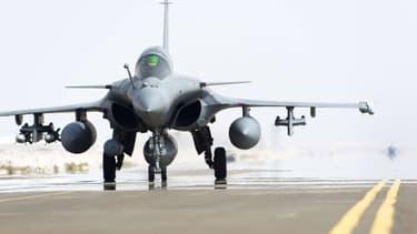 Les Rafale font partie des avions qui larguent des munitions contre Daesh en Syrie.