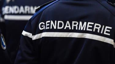 Un homme de 54 ans a été arrêté par les gendarmes pour avoir filmé ses voisines à travers des trous dans les murs.