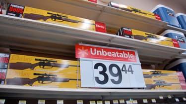Walmart continuera à vendre des fusils et carabines pour la chasse.