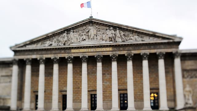 Une minute de silence a été observée à l'Assemblée nationale après les attentats en Belgique - Mardi 22 mars 2016