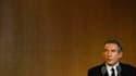 François Bayrou et les têtes de listes du Mouvement démocrate (MoDem) tentent de faire bonne figure à trois jours du premier tour des élections régionales où les sondages prédisent une déroute pour le parti centriste. /Photo prise le 13 janvier 2010/REUTE