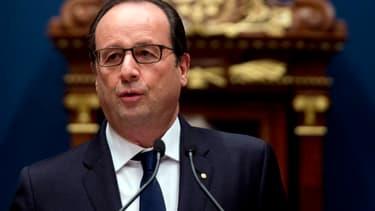 """François Hollande estime que """"les prévisions ne doivent pas changer nos politiques"""""""