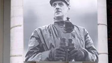 Charles de Gaulle est le président de la Ve République qui a le plus changé la France, selon un sondage Ifop pour Sud-Ouest Dimanche rendu public samedi. /Photo d'archives/REUTERS/Lionel Bonaventure/Pool