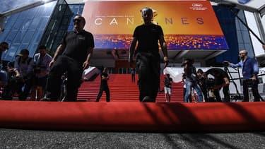 Les derniers préparatifs à Cannes, avant l'ouverture du festival, ce mardi.