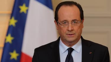 La France va continuer d'aider le continent africain à lutter contre le terrorisme, notamment l'Afrique de l'Ouest, a déclaré François Hollande, au lendemain d'attentats au Niger qui ont fait une vingtaine de morts. /Photo prise le 11 janvier 2013/REUTERS