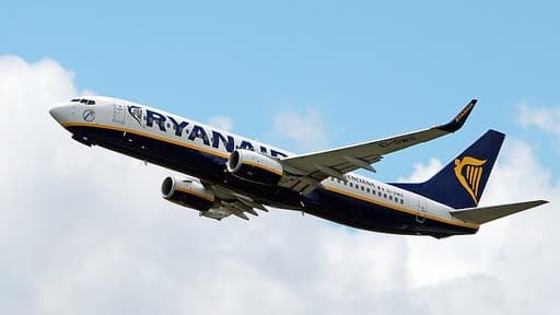 La compagnie aérienne doit réduire sa participation dans sa rivale irlandaise Aer Lingus.