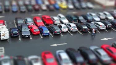 Près de 3 voitures vendues sur 4 en France sont des véhicules d'occasion, soit 5,64 millions de voitures passées d'un propriétaire à un autre en 2016.