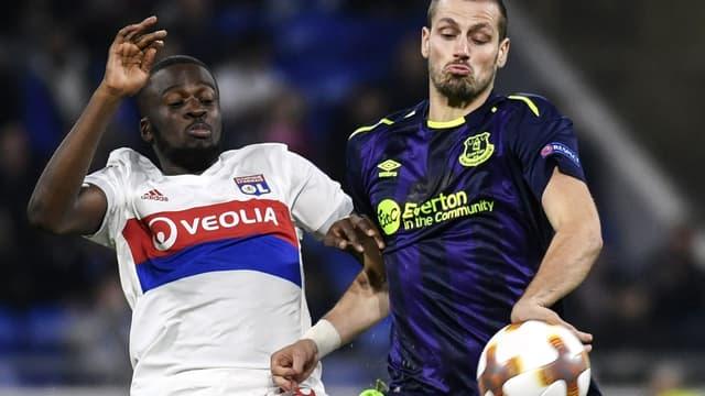Tanguy Ndombélé (Lyon) VS Morgan Schneiderlin (Everton)