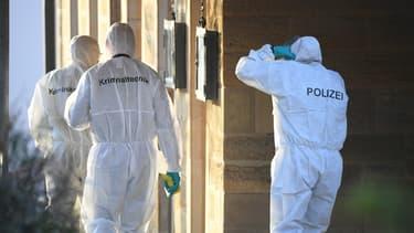 Des policiers sur les lieux de la fusillade qui s'est déroulée ce vendredi à Rot Am See, en Allemagne.