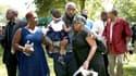 Les parents de Michael Brown lors des funérailles de leur fils, lundi, à Saint-Louis.