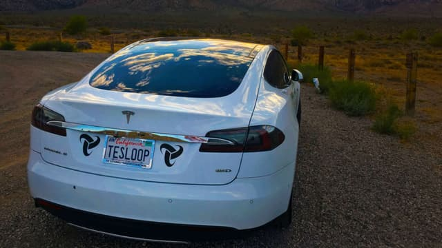 Cette Tesla Model S âgée d'à peine 2 ans a parcouru 300.000 miles, soit plus de 480.000 kilomètres.