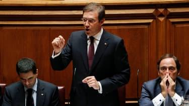 Pedro Passos Coelho, le Premier ministre portugais, en compagnie de Viror Gaspar, le ministre des Finances (à gauche)